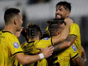 El Guaraní y el Atlético Nacional resolverán el cruce de segunda ronda el 11 de marzo en Asunción y el día 18 en Medellín. En la imagen el registro de otra de las celebraciones del Guaran
