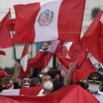 Militares retirados de Perú reivindican una carta que sugiere un golpe de Estado